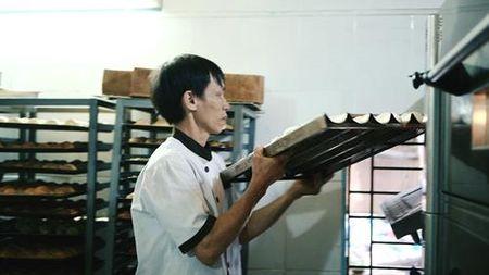 Chuyen chiec banh Au ngan lop gia 3.000 dong o Hoi An - Anh 3