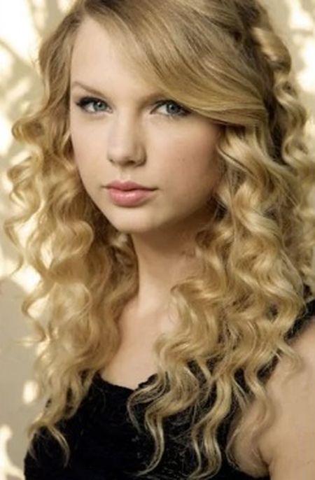 Taylor Swift: Tu ngoi sao nhi toi bieu tuong nhac pop - Anh 1