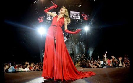 Taylor Swift: Tu ngoi sao nhi toi bieu tuong nhac pop - Anh 9