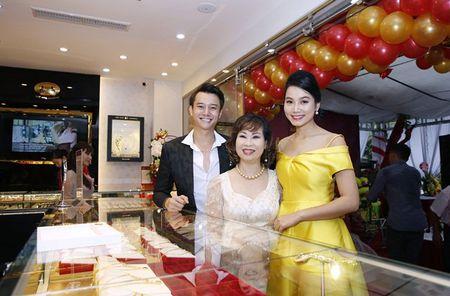 Nam chinh 'Song chung voi me chong' sanh vai Luong Giang du su kien - Anh 2