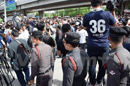 Hinh anh ben ngoai Toa an xet xu cuu Thu tuong Yingluck Shinawatra - Anh 6