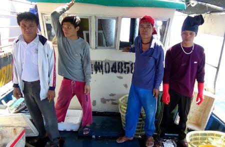 Quyet liet xu ly vi pham phap luat tren vung bien Quang Binh - Anh 1