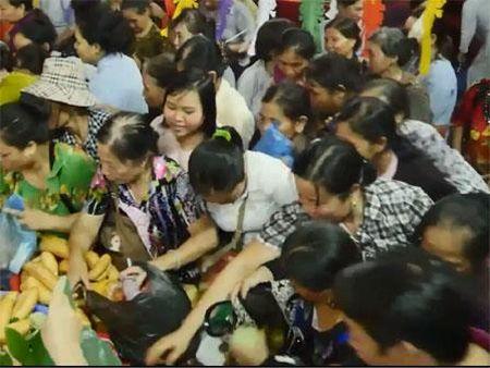 Le Vu Lan: Ai tranh cuop loc thi 'nga quy' se theo ve - Anh 1