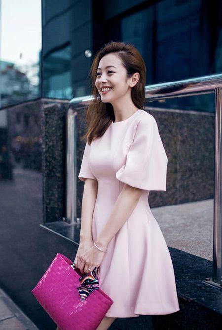 """Giau nut vach"" nhung ngoc nu Tang Thanh Ha van xach tui co vai chuc ngan dong - Anh 4"