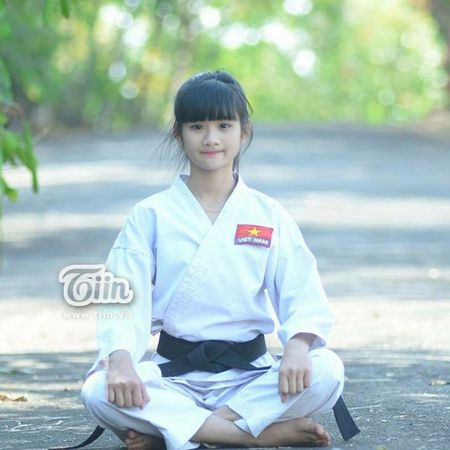 Co gai 'bup be' trong top 100 Miss Teen: So huu 25 huan chuong karatedo - Anh 7