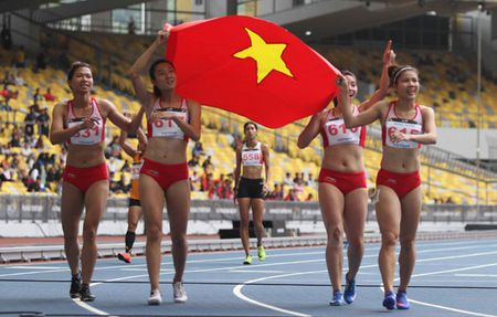 SEA Games: 4 hot girl dien kinh VN pha ky luc, gianh HCV lich su - Anh 1