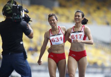 SEA Games: 4 hot girl dien kinh VN pha ky luc, gianh HCV lich su - Anh 5