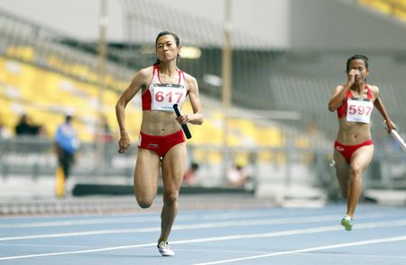 SEA Games: 4 hot girl dien kinh VN pha ky luc, gianh HCV lich su - Anh 7