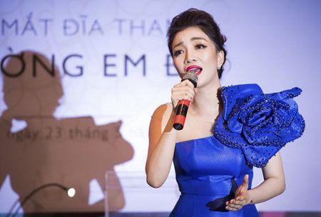 Pham Thu Ha: 'Hat duoc nhac Pham Duy nhu cham duoc tay vao dinh nui' - Anh 1