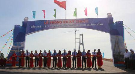 Quang Binh: To chuc thong xe ky thuat cau Nhat Le 2 - Anh 1