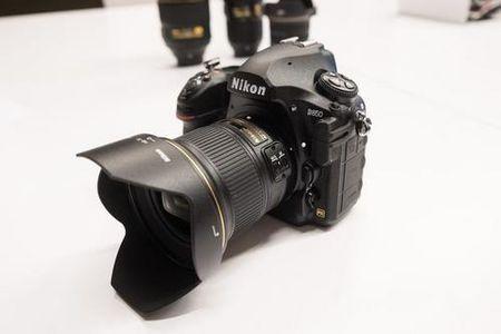 Nikon ra 'quai vat' D850 gia gan 3.300 USD - Anh 1