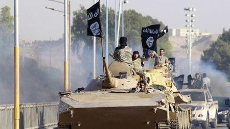 IS lien ket phien quan Syria tan cong quan chinh phu - Anh 1