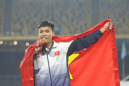 'Tam ve vot' gianh HC vang nhay xa cho Viet Nam - Anh 1