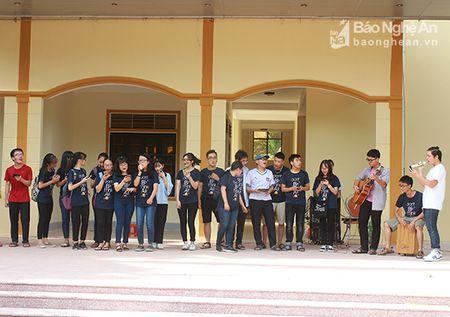 'Sot' cung Clubs Fair cua hoc sinh truong Phan - Anh 2