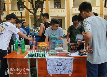 'Sot' cung Clubs Fair cua hoc sinh truong Phan - Anh 4