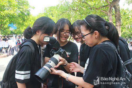 'Sot' cung Clubs Fair cua hoc sinh truong Phan - Anh 6