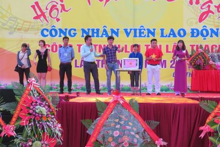 Vinh Phuc: CDCS Cty TNHH Loi Tin to chuc Hoi thi van nghe CNLD - Anh 1