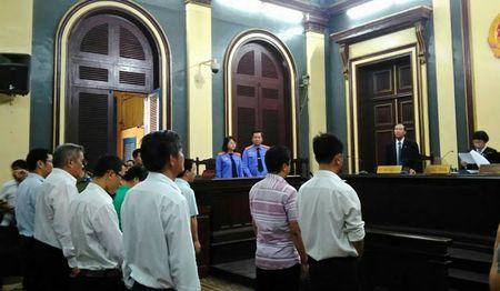 Nguyen giam doc VN Pharma linh an 12 nam tu, kien nghi xem xet trach nhiem Cuc quan ly duoc - Anh 1