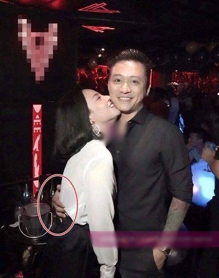 Tuan Hung lo anh om fan nu trong bar - Anh 1