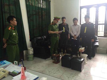 Khoi to Giam doc Dai Khi tuong thuy van Ha Nam - Anh 1
