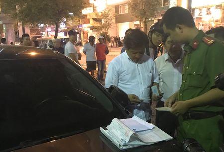 Ong Doan Ngoc Hai de ho kinh doanh tai chiem via he - Anh 1