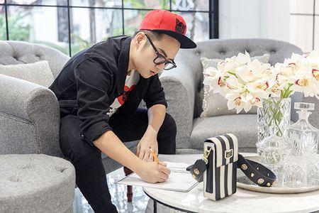 Quan quan Next Top khoe vai gay khi di thu do Chung Thanh Phong - Anh 9