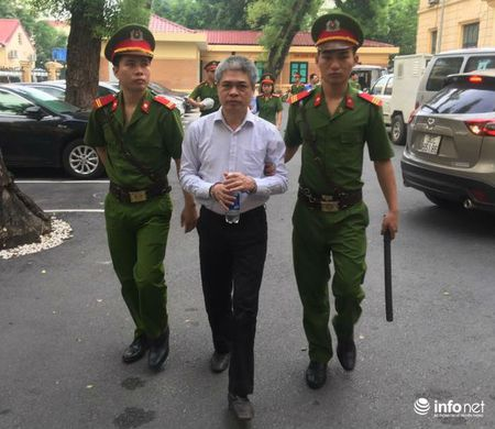 Ha Van Tham mia mai cuu Chu tich PVN truoc toa - Anh 2