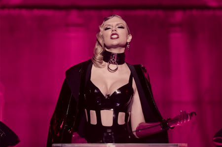 Chiem ngoi hau BXH Billboard, Taylor Swift cuu lay the dien cho cac nu ca si - Anh 2