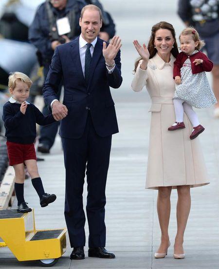 Phong cach thoi trang bau cua Cong nuong Kate Middleton - Anh 1