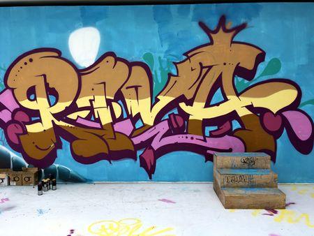 Nghe si Graffity Nhat ban 'tung hoanh' tai Ha Noi voi nhung buc tranh khong lo - Anh 9