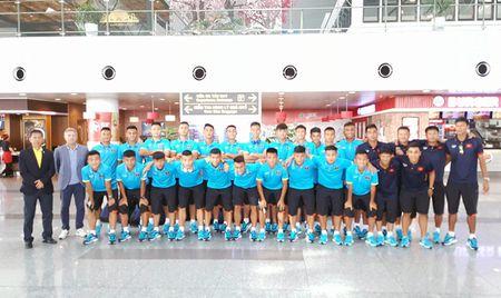 DT U18 Viet Nam bat dau chinh phuc thu thach - Anh 1