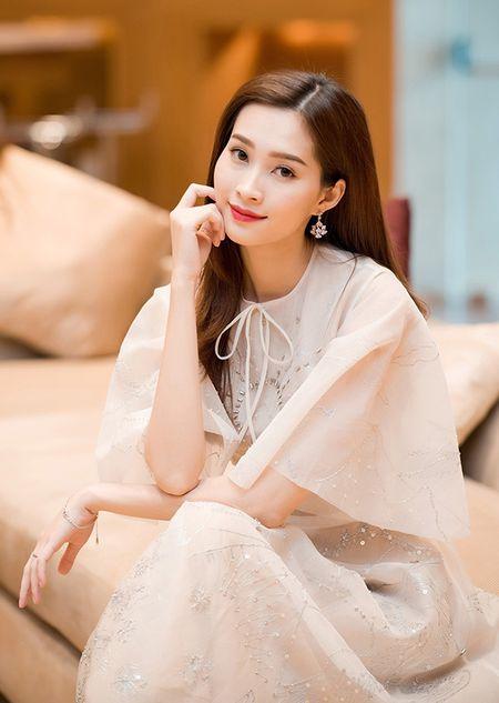 Thu Thao- hanh trinh tu co gai que den hoa hau va lam vo dai gia - Anh 10