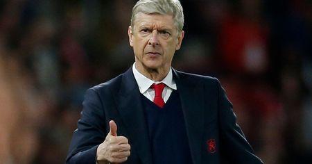 HLV Wenger se chon ai de thay the Chamberlain? - Anh 1