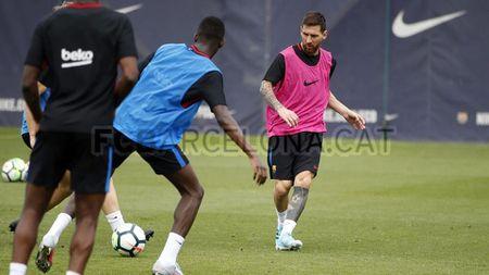 Ngay dau tap luyen cung Messi, Dembele vui ra mat - Anh 4