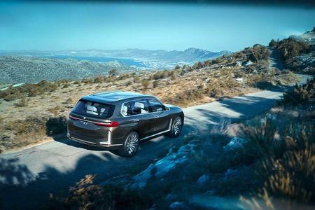Ngam SUV hang sang BMW X7 iPerformance truoc ngay ra mat - Anh 13