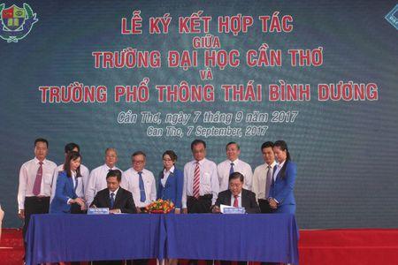 Truong Pho thong Thai Binh Duong 10 nam hinh thanh va phat trien - Anh 1
