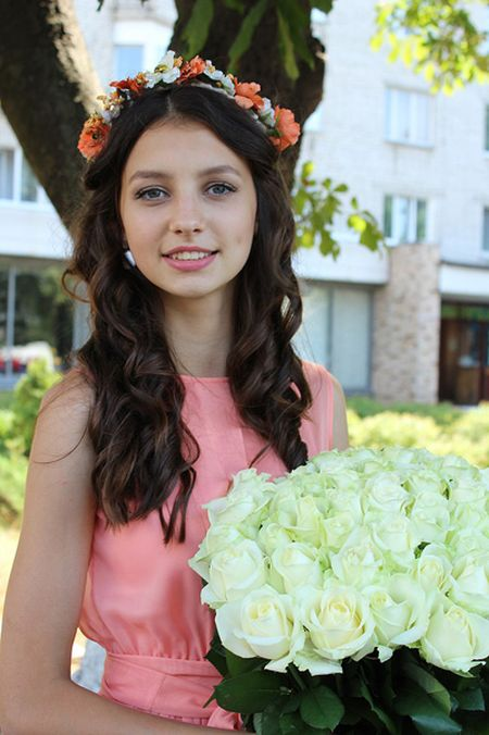 Ve dep tuoi 18 cua Hoa hau Ukraine 2017 - Anh 4
