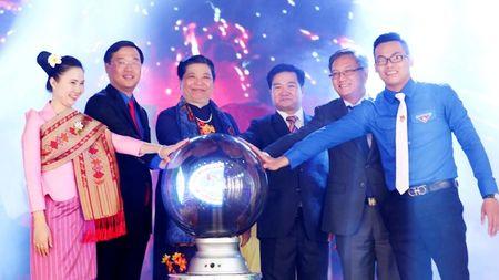 Khai mac Gap go huu nghi Thanh nien Viet Nam - Lao nam 2017 - Anh 1