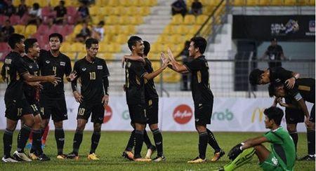 Tran Viet Nam thang Campuchia o SEA Games 29 bi nghi ban do - Anh 3