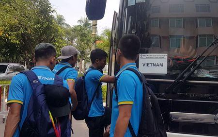 Tuyen Viet Nam lang le ve nuoc sau tran thang Campuchia - Anh 1