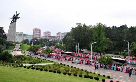 Trieu Tien ban phao hoa rop troi mung thu thanh cong bom nhiet hach - Anh 1