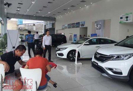 Giam gia gan 300 trieu dong, nhieu mau Honda CR-V 'chay' hang - Anh 2
