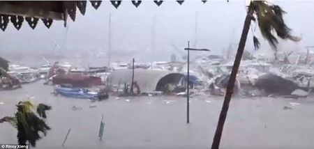 Sieu bao Irma kem gio 300 km/h pha tan nat dao Barbuda - Anh 7