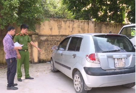 Hung Yen: Lien tiep nhieu o to bi trom do chu xe chu quan - Anh 1