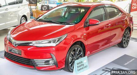 Toyota Corolla Altis 2017 chot gia ban tu 638 trieu dong tai Malaysia - Anh 1