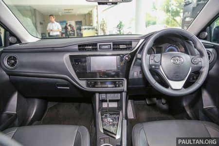 Toyota Corolla Altis 2017 chot gia ban tu 638 trieu dong tai Malaysia - Anh 7