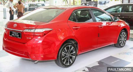 Toyota Corolla Altis 2017 chot gia ban tu 638 trieu dong tai Malaysia - Anh 9
