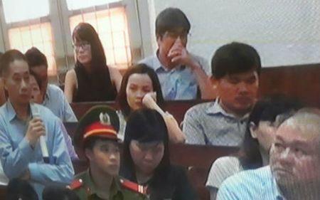 Cuu Ke toan truong Petro Vietnam xin khai lai, thua nhan nhan tien - Anh 1