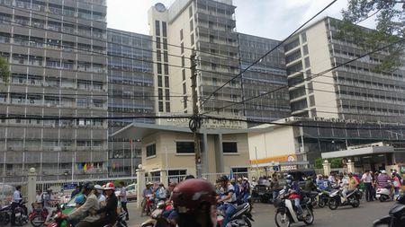 3 phu nu danh ghen lam nao loan benh vien Cho Ray - Anh 1