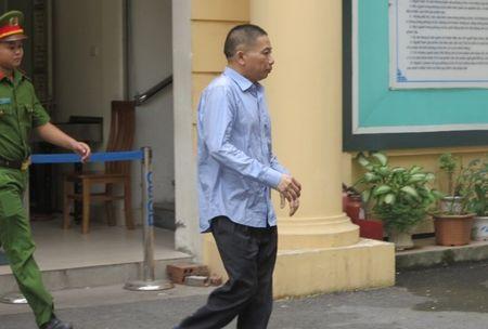 Pho tong PVN khai nhan 20 ty dong qua bieu cua Nguyen Xuan Son - Anh 1